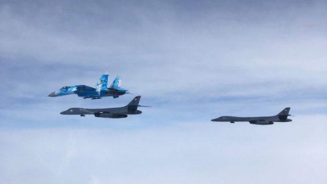 США снимают запрет на полеты своей авиации в районе Симферополя