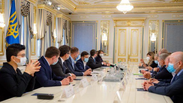 Зеленский инициирует создание рабочей группы по решению проблем крымскотатарского народа