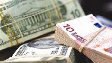 Украинцы продали банкам валюты больше, чем купили