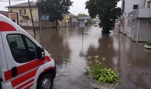 На Львовщине затопило четыре санатория