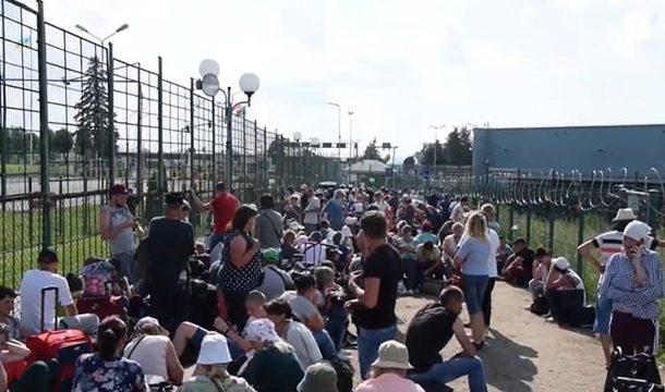 На границе с Польшей очереди