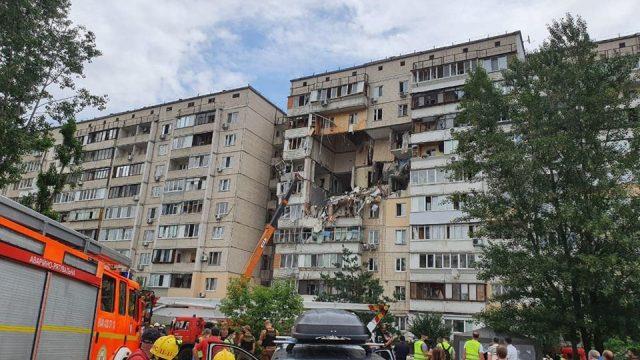 Жителей взорвавшейся киевской многоэтажки обеспечат временным жильем
