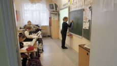 Минздрав разрешил учащимся не носить маски во время занятий