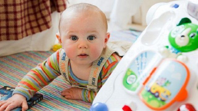 Кабмин ввел денежные выплаты вместо «пакета малыша»