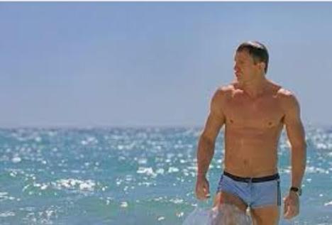 Брифы или бермуды? Изучаем мужской дресс-код для плавания