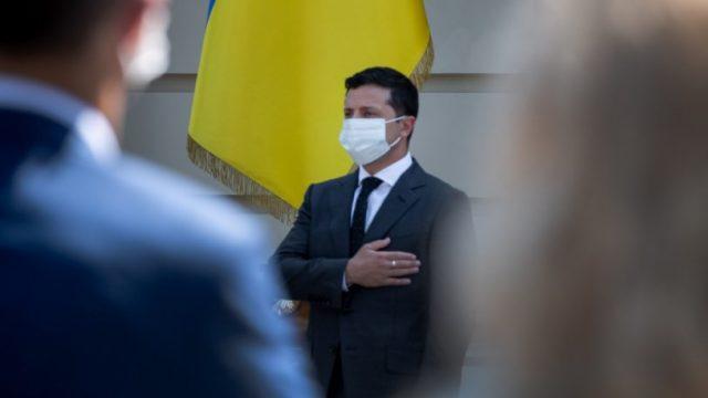 Зеленский лидирует в президентском рейтинге