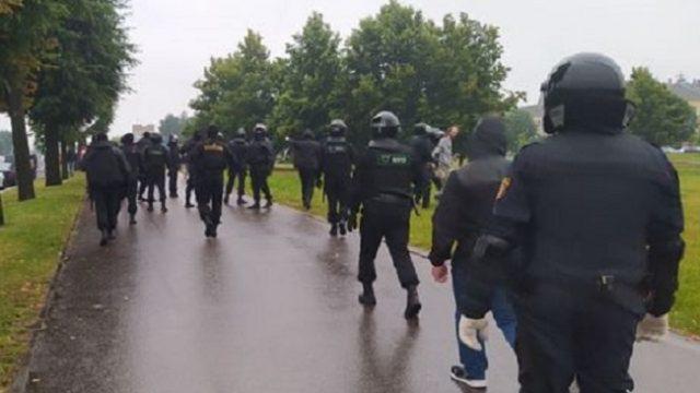 В Минске ОМОН опять начал разгонять протестующих