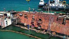 В Одессе снова затянулась спецоперация по подъему танкера Delfi