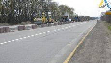 Манипуляции со щебнем: на капремонте международной дороги М-03 могут сэкономить в ущерб качеству. Технадзор молчит