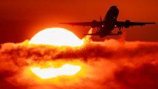 Украинский авиатрафик снизился на 56%