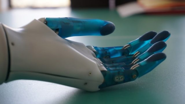 Украинский стартап Esper Bionics привлек инвестиции от SMRK