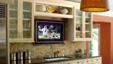 Как выбрать телевизор на кухню: чек-лист