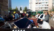 Взрыв на Позняках: жителям дома начали возвращать личные вещи