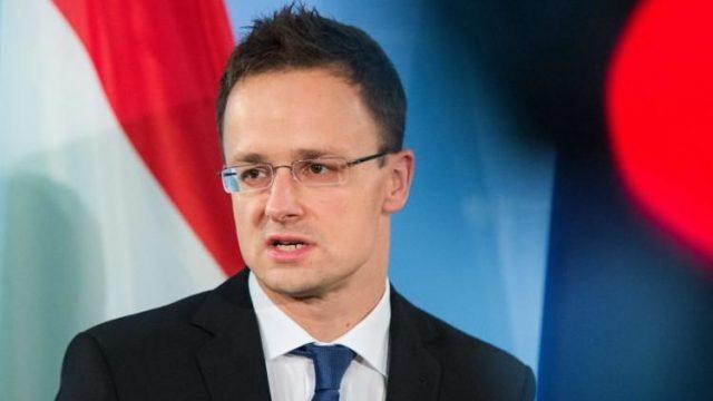Глава МИД Венгрии обвинил Байдена в