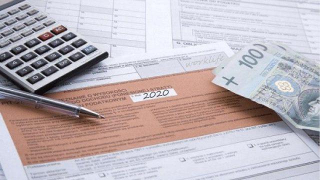 Свыше полумиллиона украинцев платят налоги в Польше
