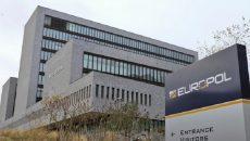 Европол ликвидировал схему нелегальной торговли оружием через Украину