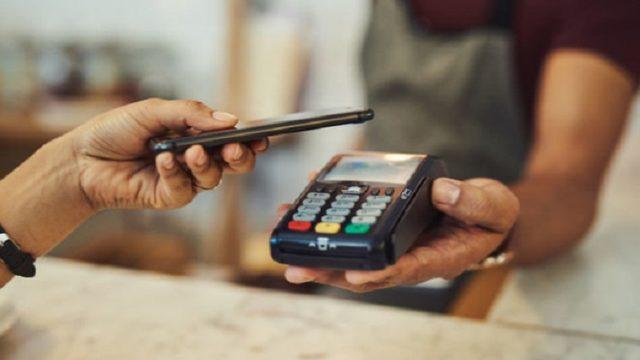 В Украине выросли платежные операции с помощью гаджетов