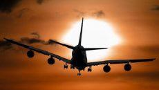 Авиакомпания Австралии планирует ввести обязательную вакцинацию от COVID-19