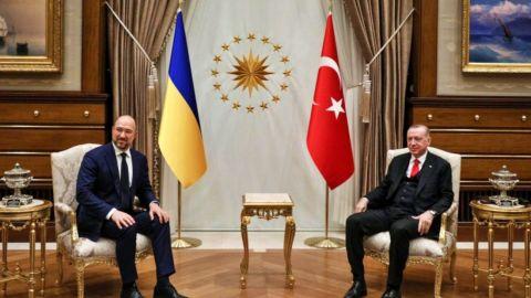 Премьер-министр Украины провел встречу с Президентом Турции