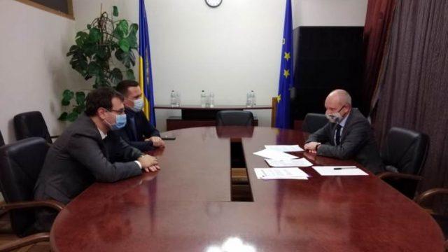 Глава представительства ЕС встретился с главой налогового комитета ВР