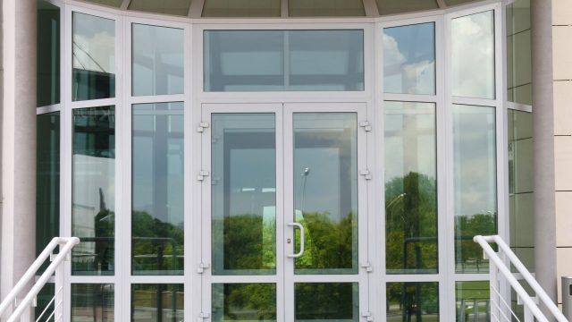 Металлопластиковые двери от vikna.ua