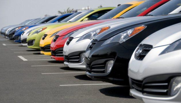 В Украине продажи новых легковых авто сократились на 17%