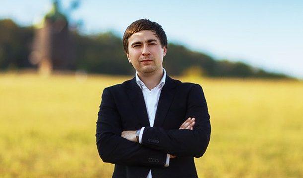 Зеленский уволил Романа Лещенко