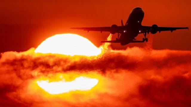 Украинский авиатрафик уменьшился на 56,7%