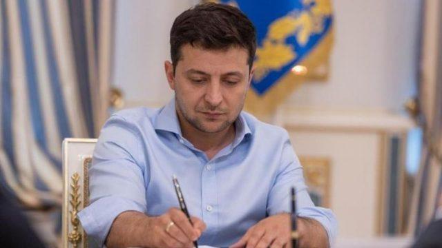 Зеленский подписал закон об отсрочке обязательного применения РРО