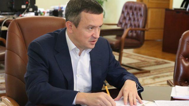 Міністр економіки Петрашко без спецперевірки з окладом 50 тис грн. призначив в ДП «Конярство» Веретюка, який співпрацював з окупантами