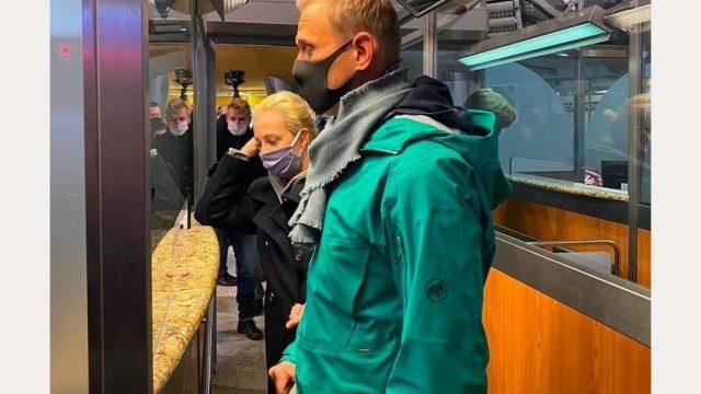 Суд арестовал Навального