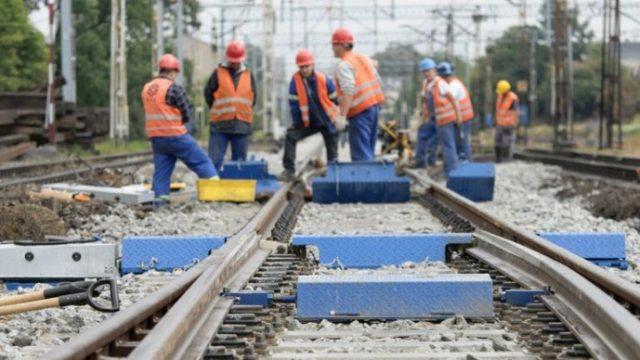 Укрзализныця планирует обновить почти 400 километров путей