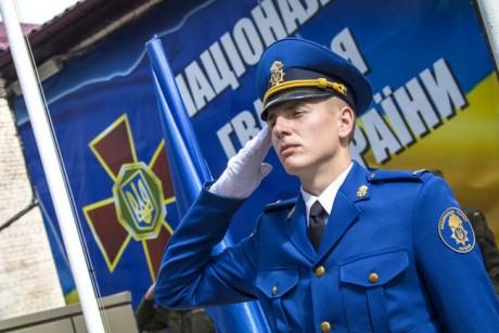 Зеленский присвоил почетные наименования полкам
