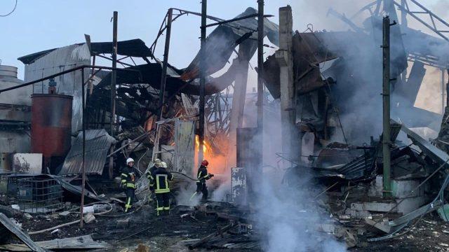 В Харькове произошел взрыв на предприятии, есть погибший