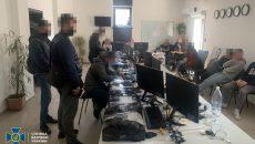СБУ разоблачила сеть подпольных мошеннических call-центров