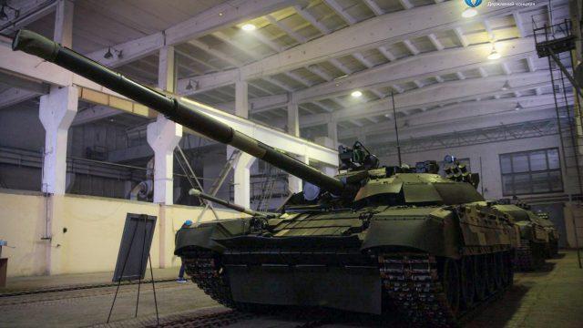Армия получила отремонтированные танки