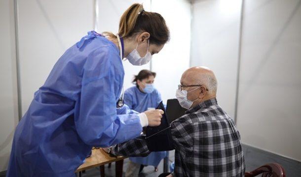 В Украине за сутки против COVID-19 вакцинировали почти 142 тыс. человек