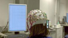 Американский стартап выпустит шлем для считывания мыслей