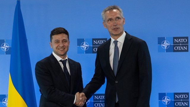 Зеленский с Генсеком НАТО обсудили Донбасс