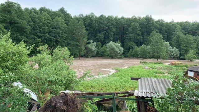 В Киевской области прорвало дамбы