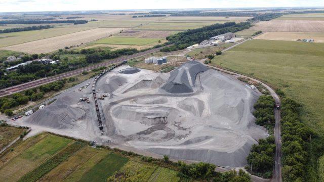 Укравтодор поставив під сумнів та досліджує якість кварцитів, з яких вже рік як будують міжнародну дорогу у Полтавській обл. – документ