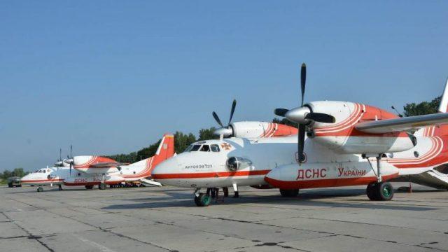 Авиация ГСЧС Украины осуществила первые сбросы воды на очаги лесных пожаров в Турции