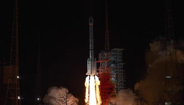 Китай запустил на орбиту экспериментальный коммуникационный спутник