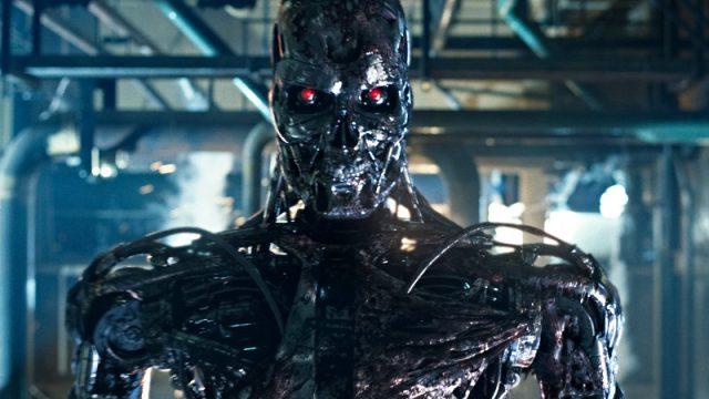 Tesla собирается заменить людей роботами