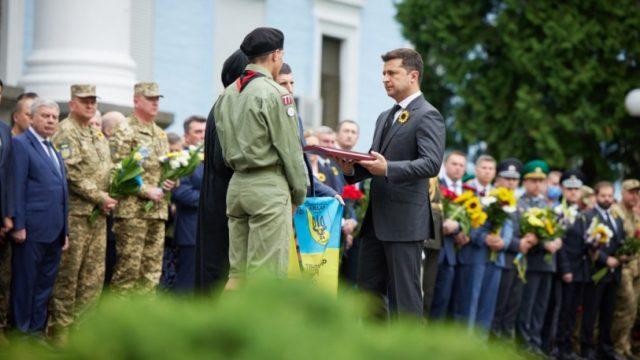 Президент посмертно присвоил звание Героя Украины двум военнослужащим, погибшим в 2014 году