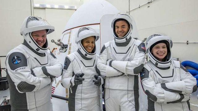 В SpaceX объявили дату запуска первой гражданской космической миссии Inspiration4