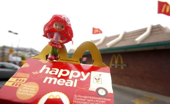 Mcdonald's откажется от пластиковых игрушек в детских наборах еды