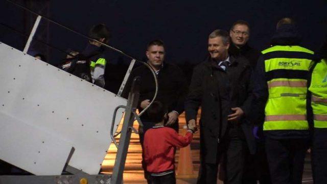 В Киев прибыл самолет с эвакуированными из Афганистана гражданами