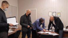 Криворожского чиновника поймали на растрате при ремонте дорог