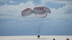 Туристы SpaceX вернулись на Землю